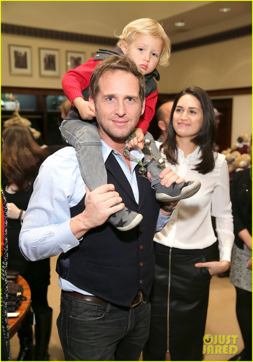 josh lucas ex wife accuses him of cheating 044461409