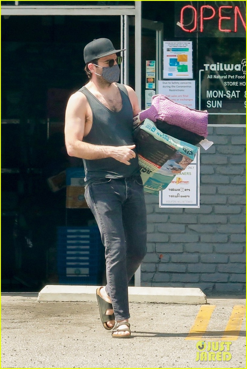 zachary quinto wears tank shirt while stocking up on toilet paper 014461488