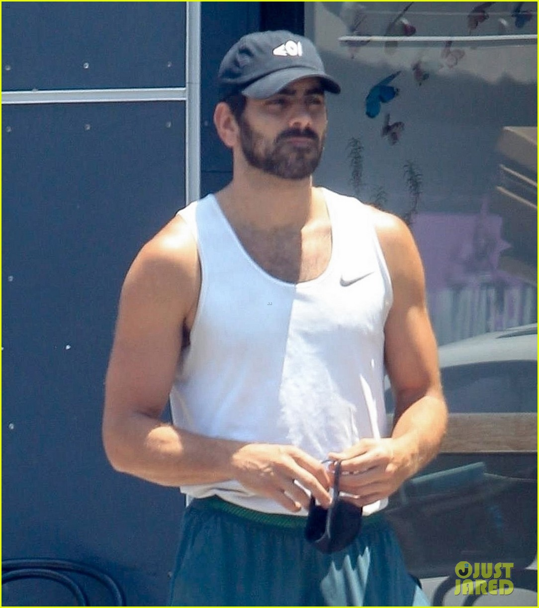 nyle dimarco in his gym clothes 024465663