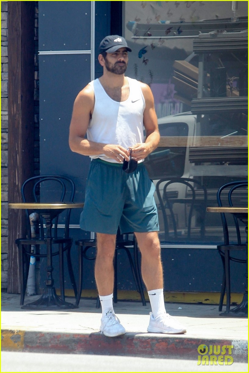 nyle dimarco in his gym clothes 054465666