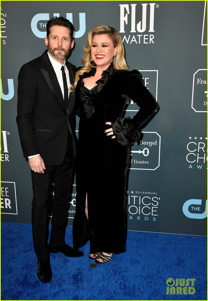 Kelly Clarkson Files For Divorce From Brandon Blackstock After