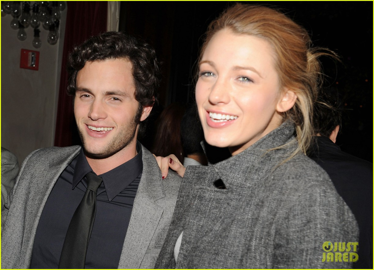 penn badgley blake lively gift 044466429