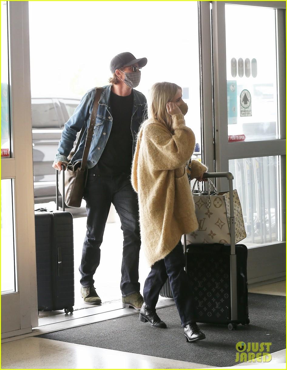 emma roberts garrett hedlund airport after pregnancy news 234465604