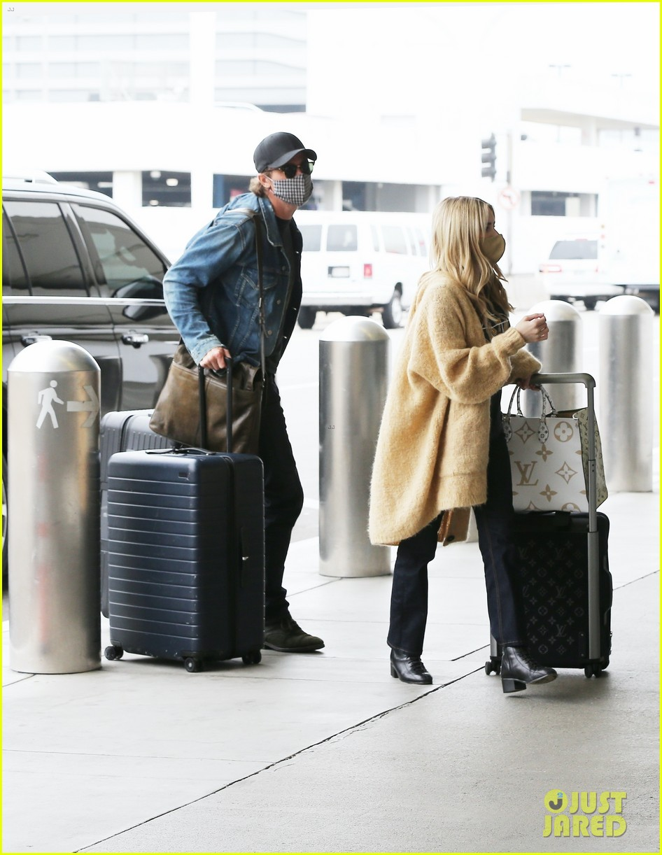 emma roberts garrett hedlund airport after pregnancy news 244465605