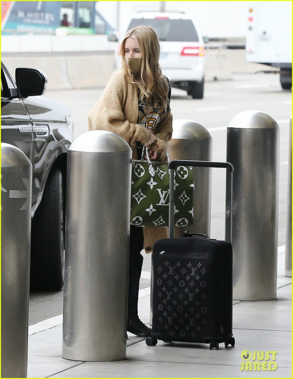 emma roberts garrett hedlund airport after pregnancy news 334465614