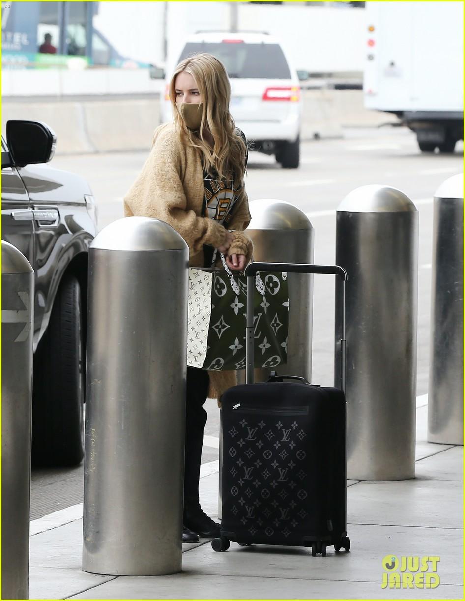 emma roberts garrett hedlund airport after pregnancy news 344465615