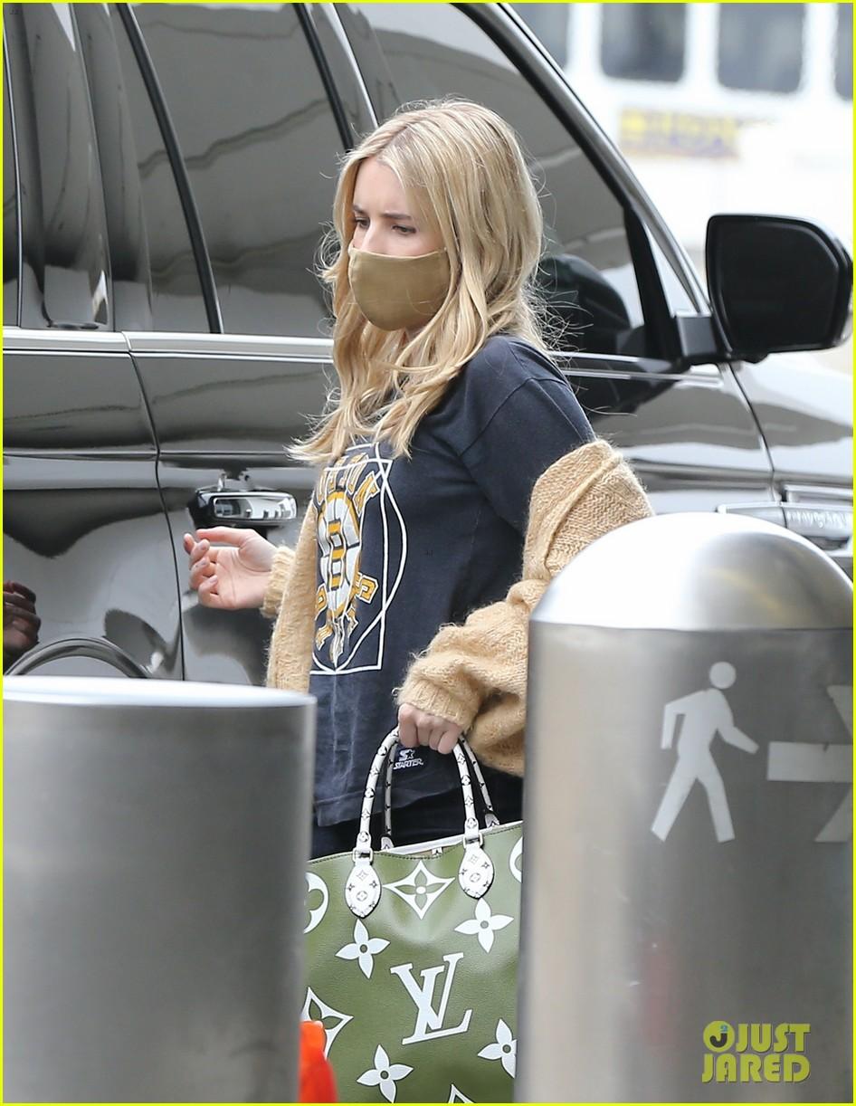 emma roberts garrett hedlund airport after pregnancy news 404465621