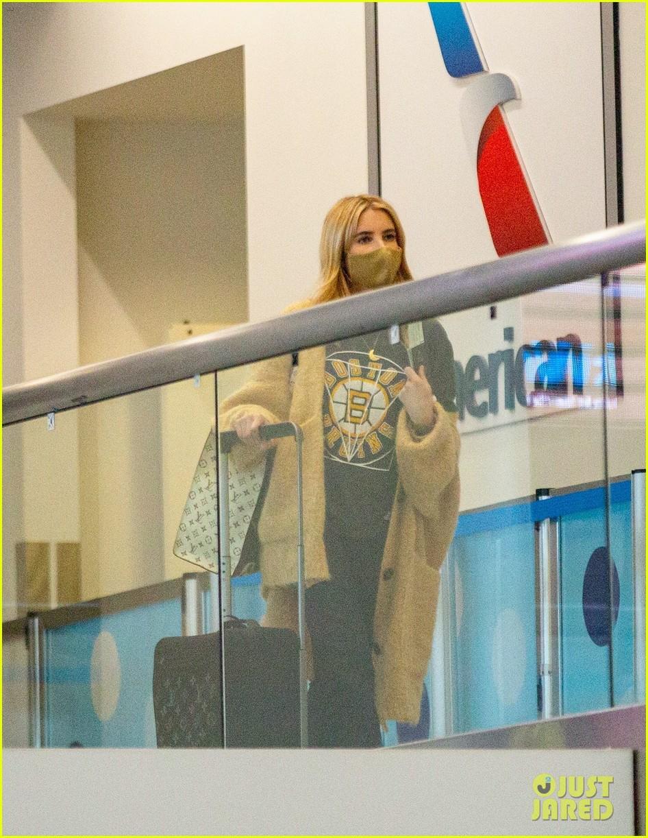 emma roberts garrett hedlund airport after pregnancy news 444465625