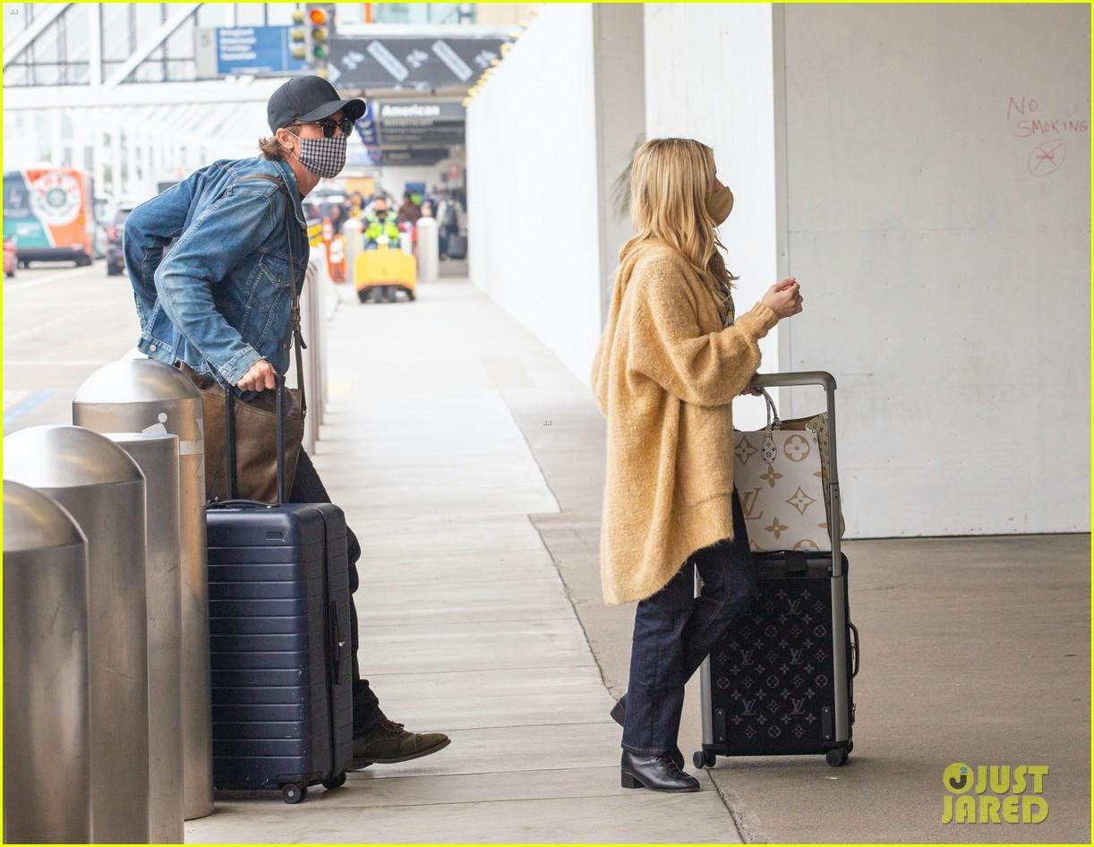 emma roberts garrett hedlund airport after pregnancy news 494465630