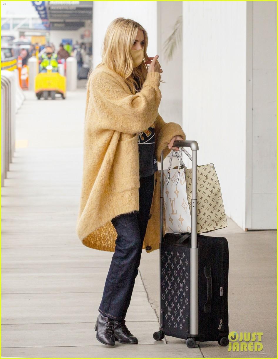 emma roberts garrett hedlund airport after pregnancy news 514465632