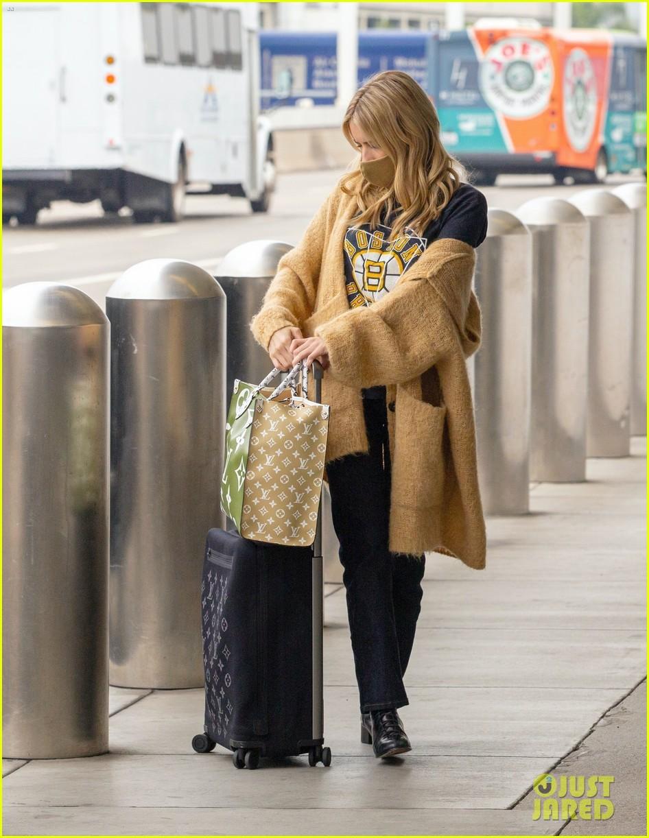 emma roberts garrett hedlund airport after pregnancy news 524465633