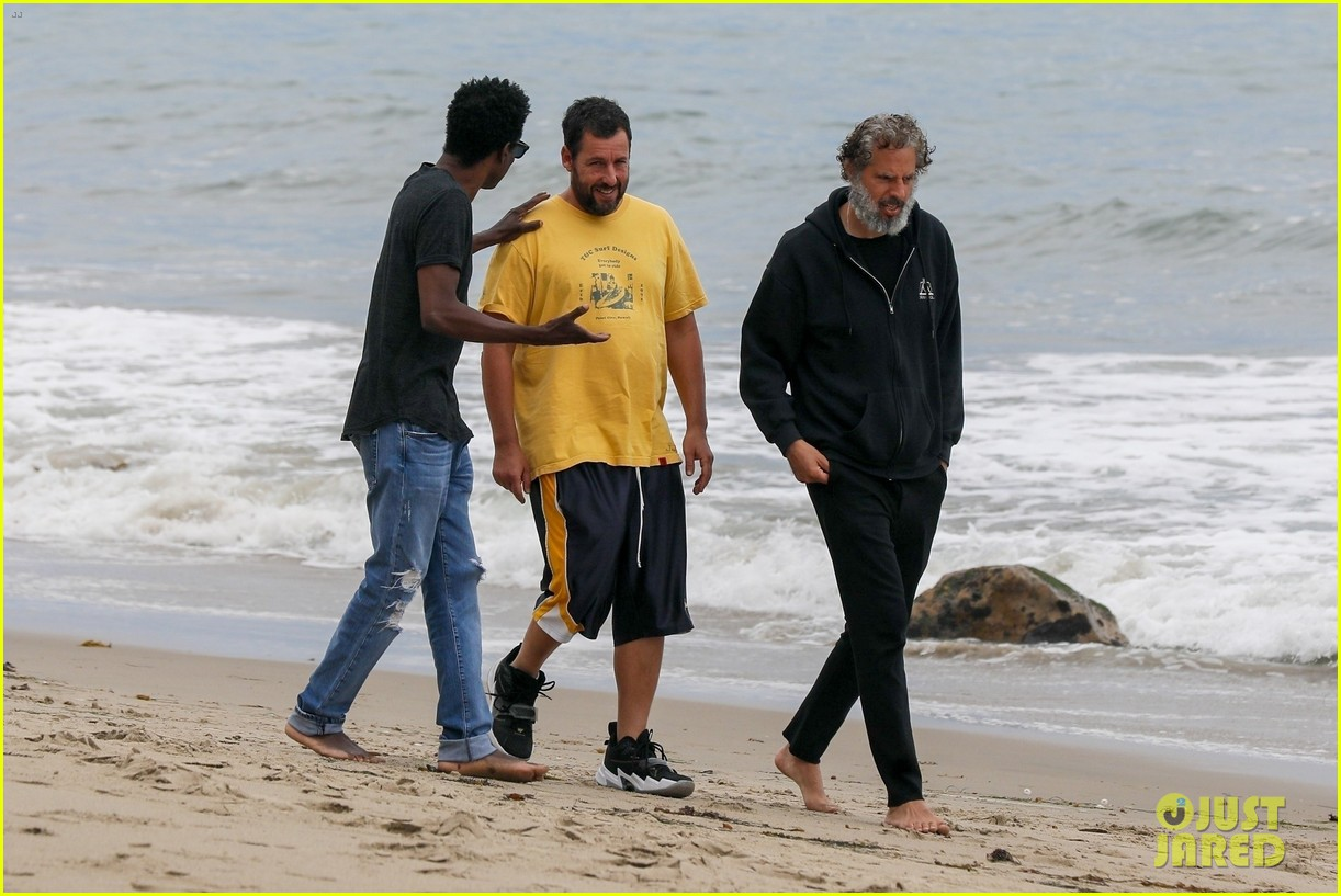 adam sandler meets up with chris rock walk on the beach 014464001