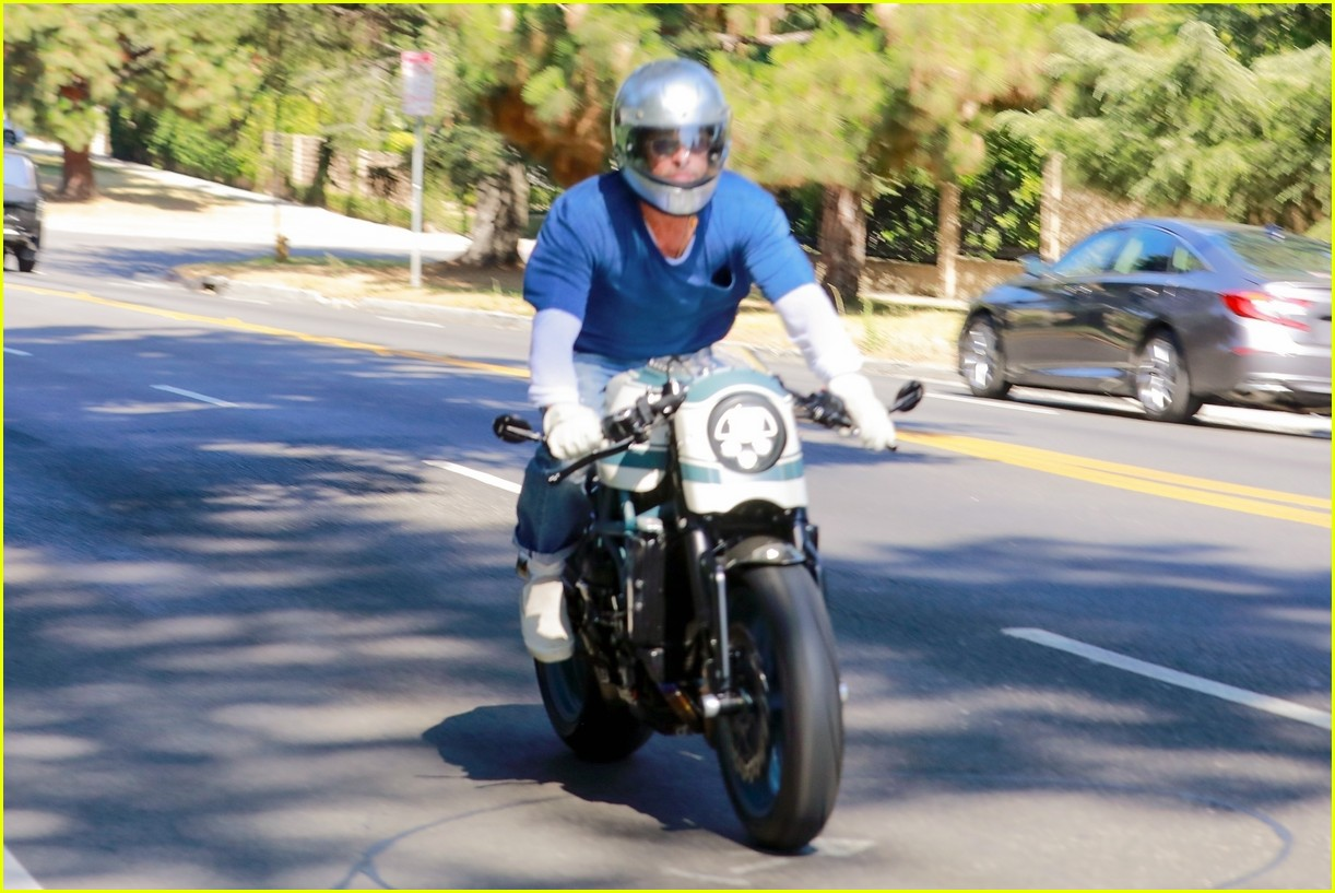 brad pitt motorcyle angelina july 2020 034472418