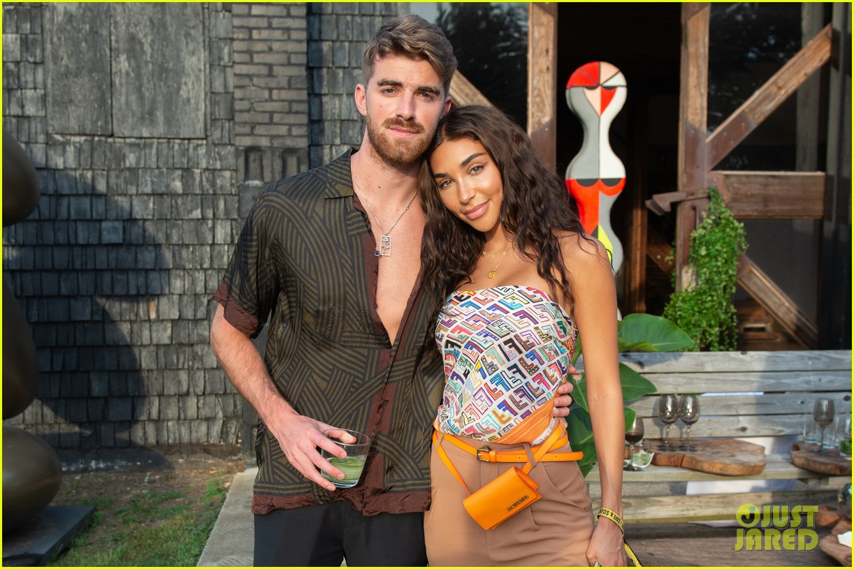 the chainsmokers drive in concert hamptons 184472198