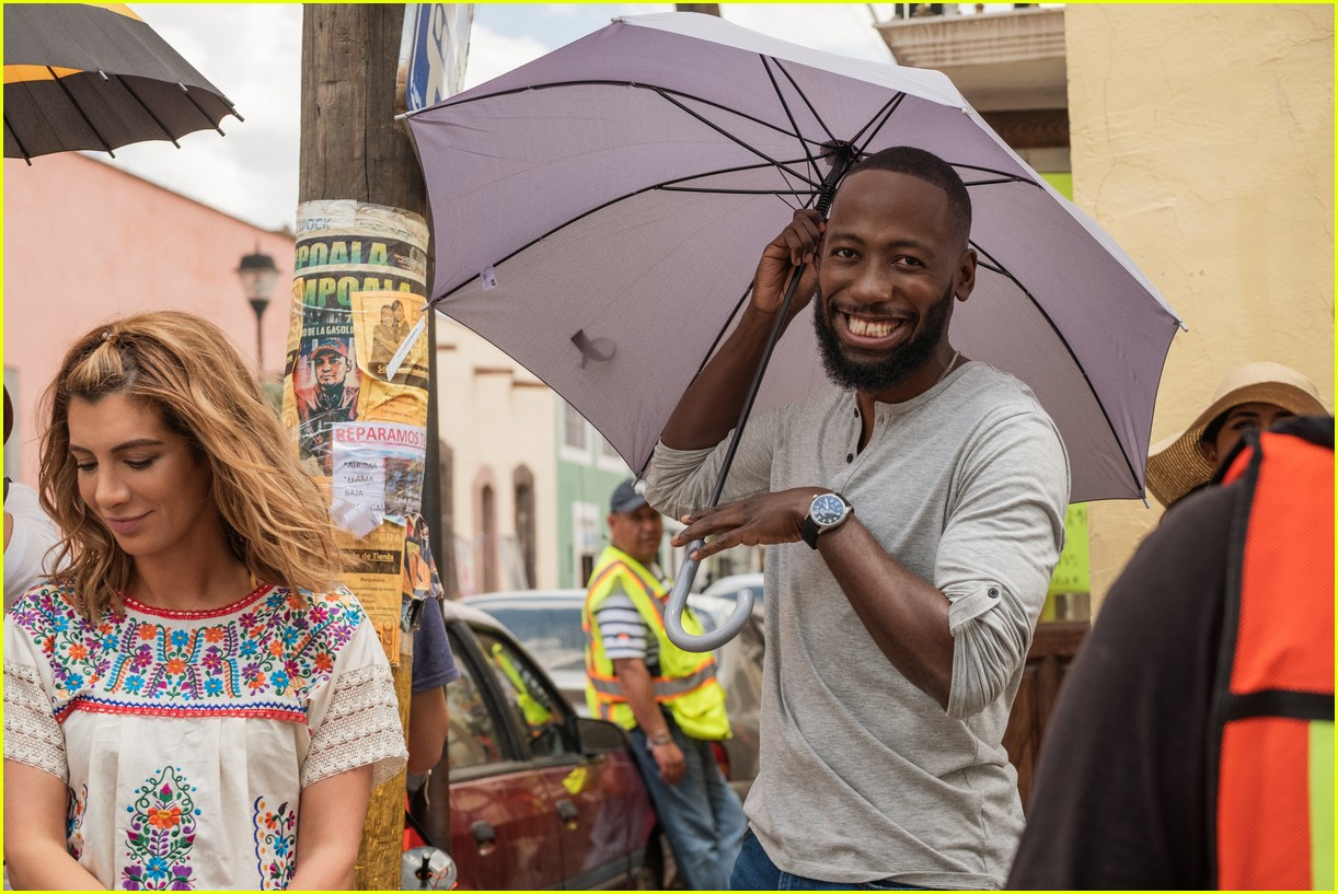 The Stars Of Netflix S Desperados Have Played A Couple Before Photo 4467681 Lamorne Morris Nasim Pedrad Netflix Pictures Just Jared