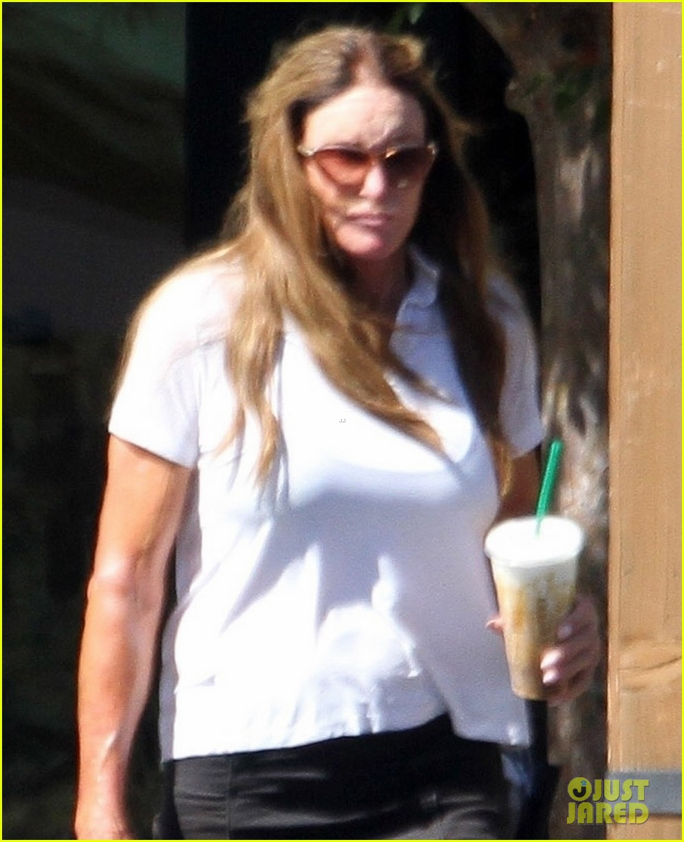 caitlyn jenner sophia hutchins pick up dinner favorite restaurants 054470507