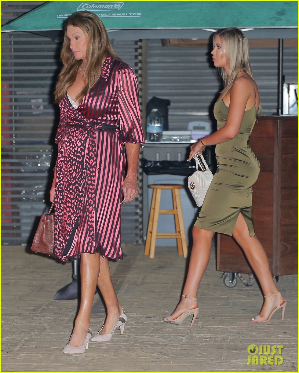 kourtney kardashian dinner with addison rae again 054470225