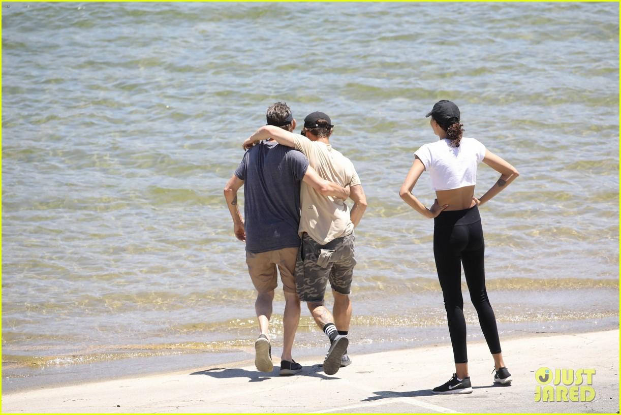 Naya Rivera S Ex Ryan Dorsey Makes An Emotional Visit To Lake Piru Photo 4468947 Naya Rivera Ryan Dorsey Pictures Just Jared