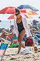 sarah jessica parker beach july 2020 04