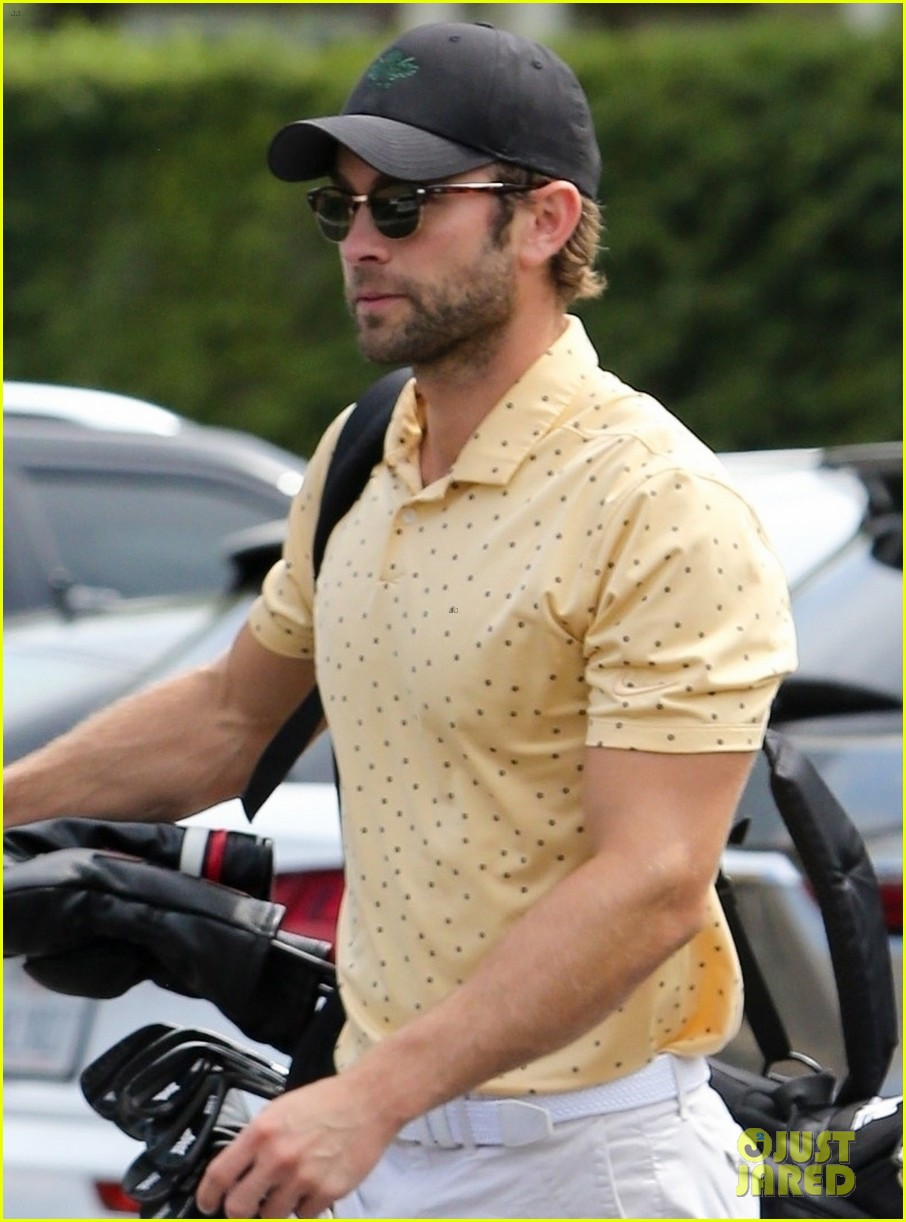 chace crawford miles teller play golf together 024477367