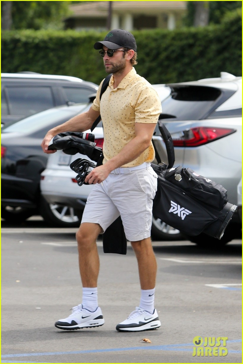 chace crawford miles teller play golf together 054477370