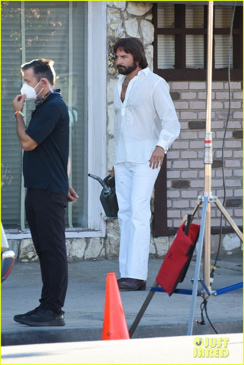 bradley cooper straight out of 70s set of new movie 094478919