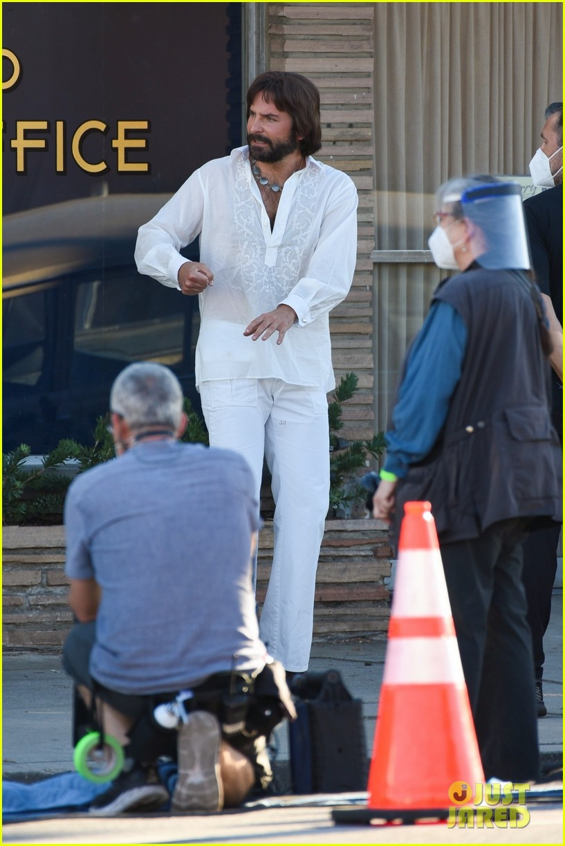 bradley cooper straight out of 70s set of new movie 104478920