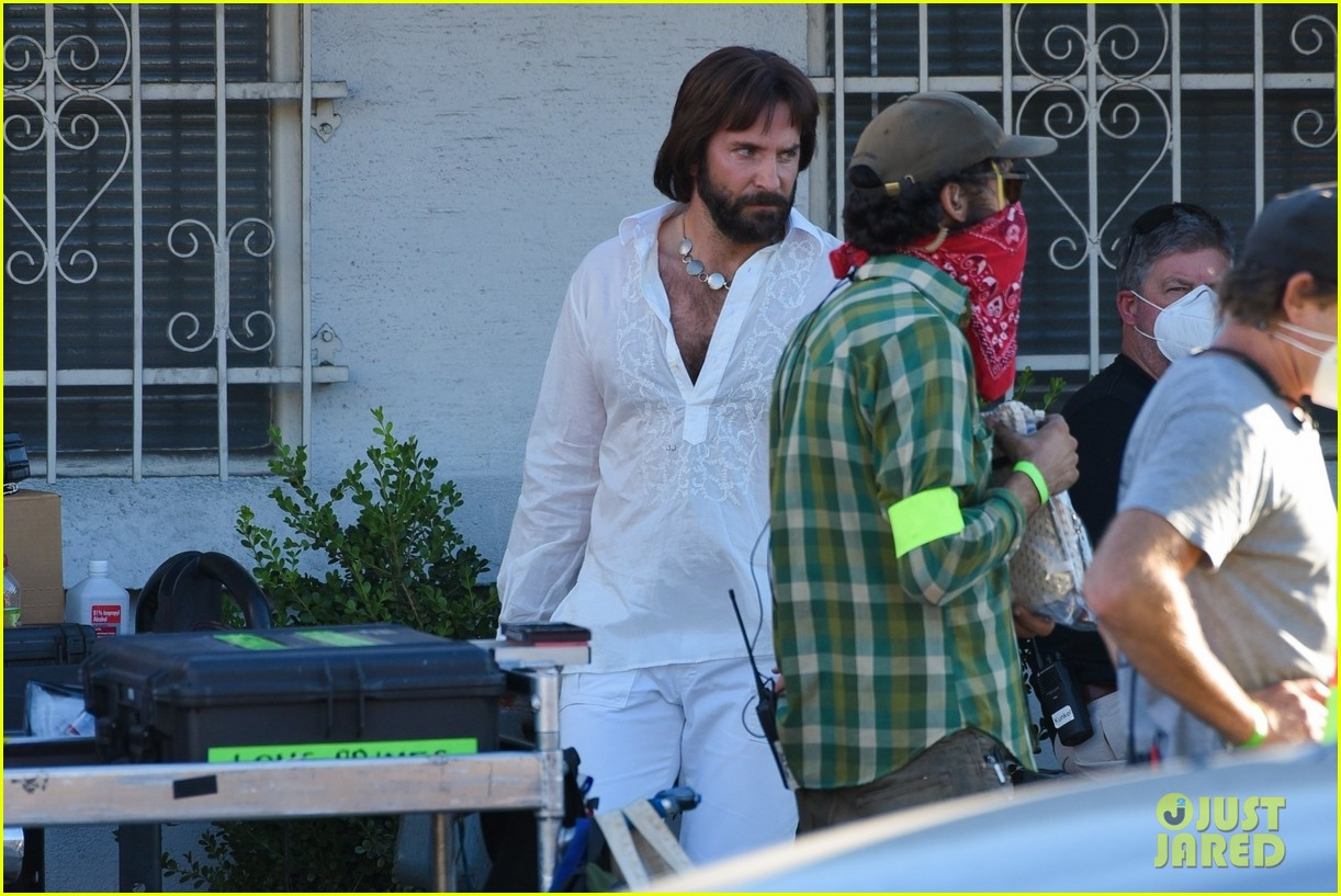 bradley cooper straight out of 70s set of new movie 114478921