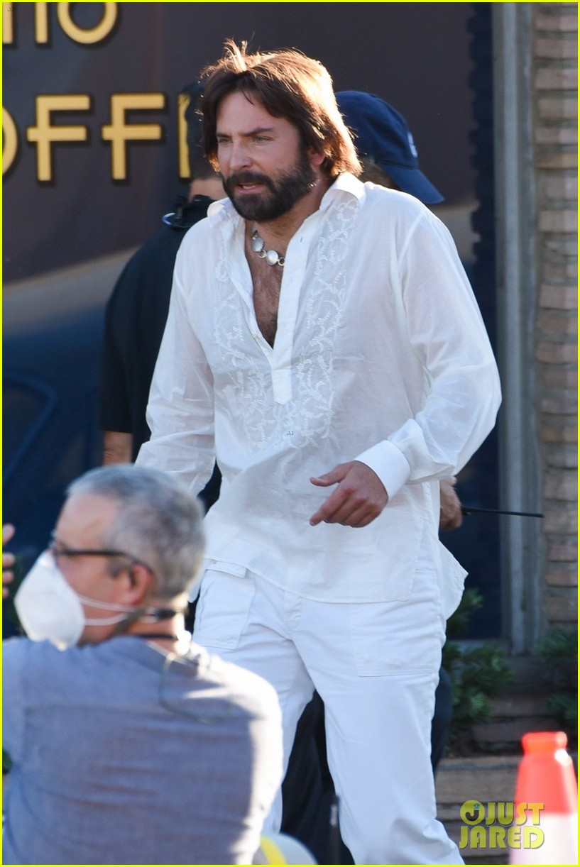 bradley cooper straight out of 70s set of new movie 154478925