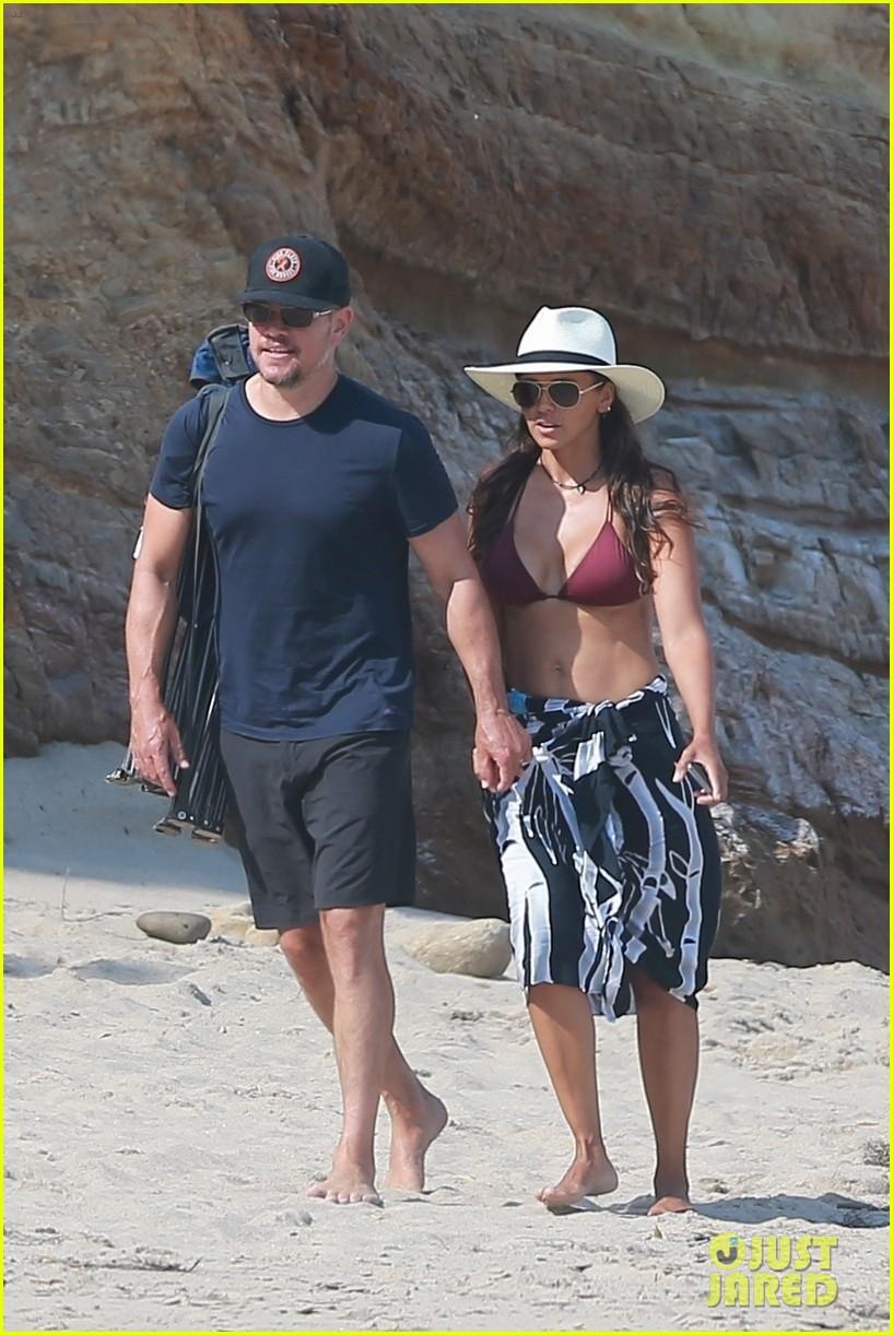 matt damon at beach with wife luciana 054476950