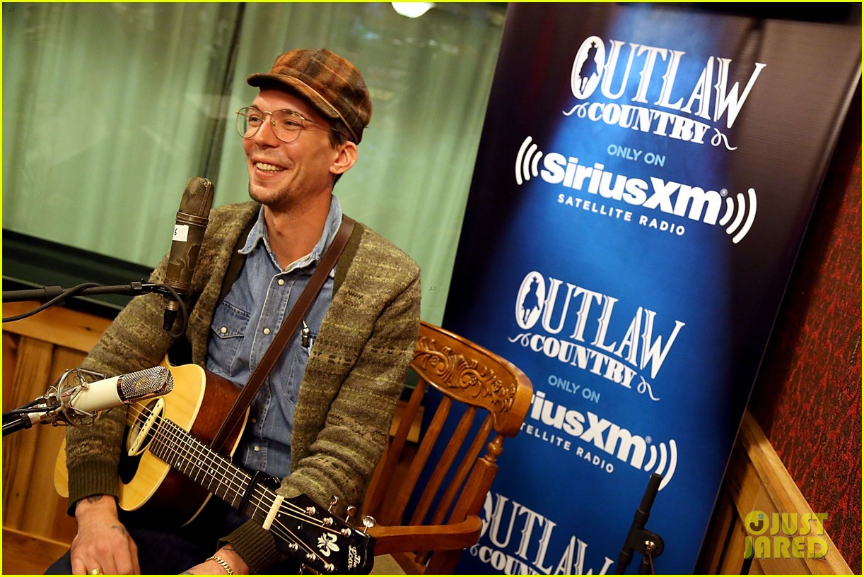 justin townes earle dead at 38 064477336