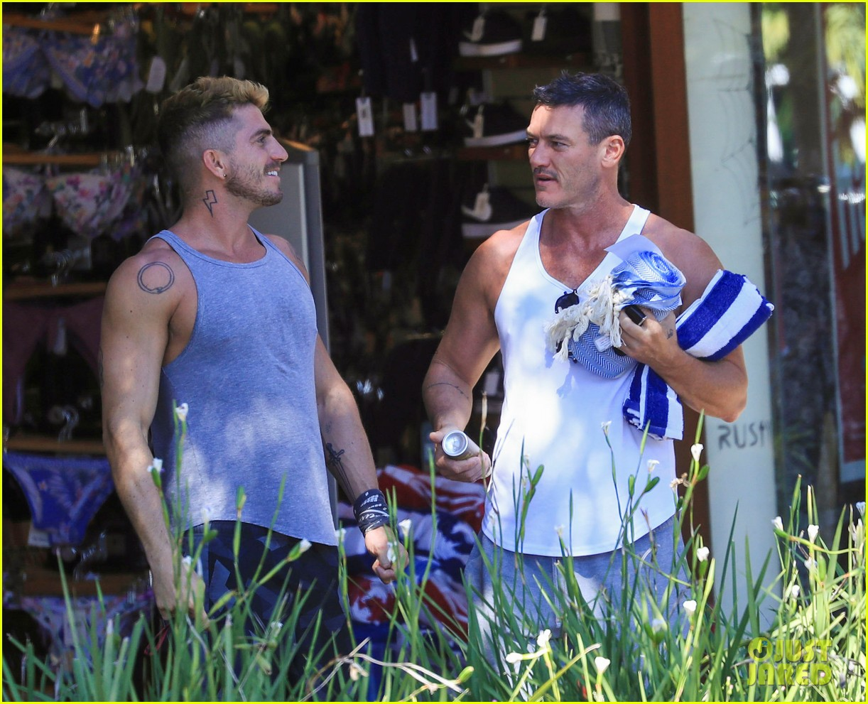 luke evans with boyfriend rafael olarra in australia 044476959