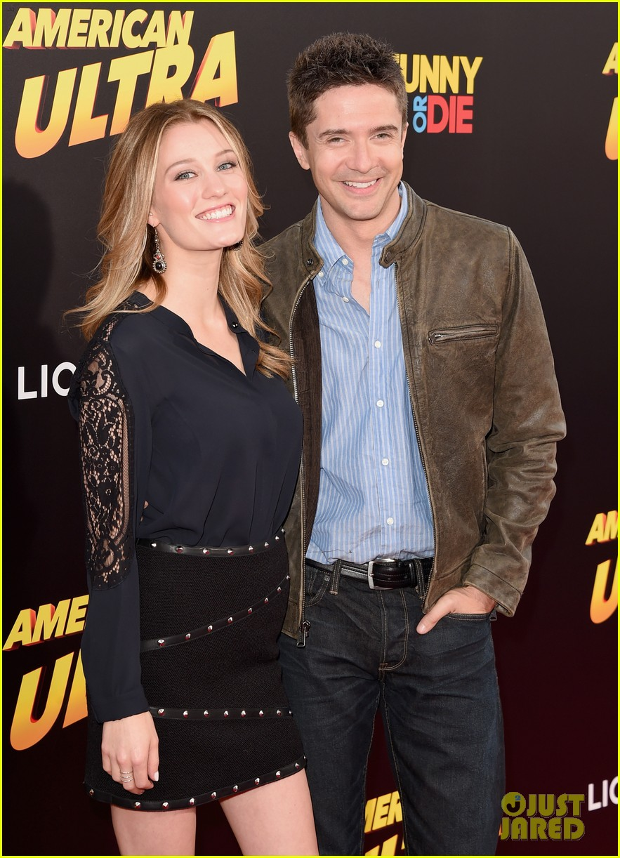 topher grace ashley hinshaw welcome second child 044472926