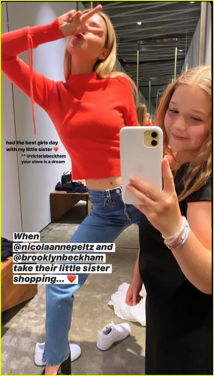 harper beckham selfies while shopping 014473034
