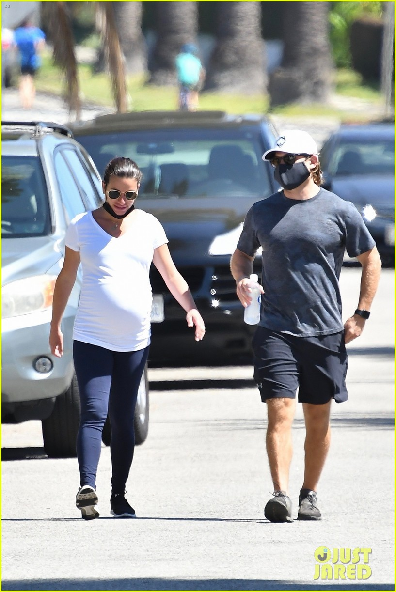 lea michele cozies up to zandy reich on morning walk 014474132