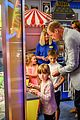 kate middleton prince william arcade games 09