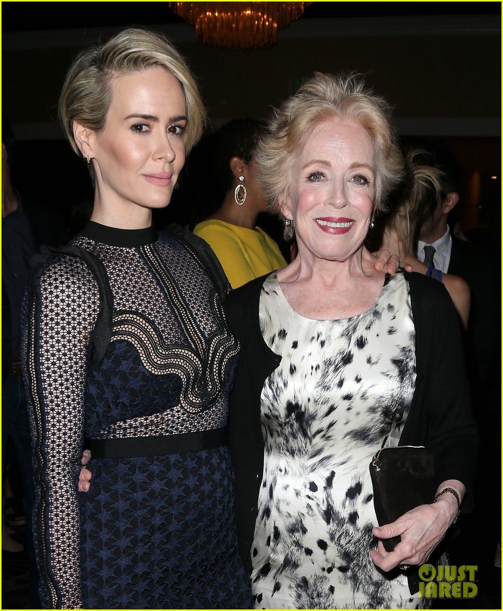 holland taylor why she went public with sarah paulson 024476296