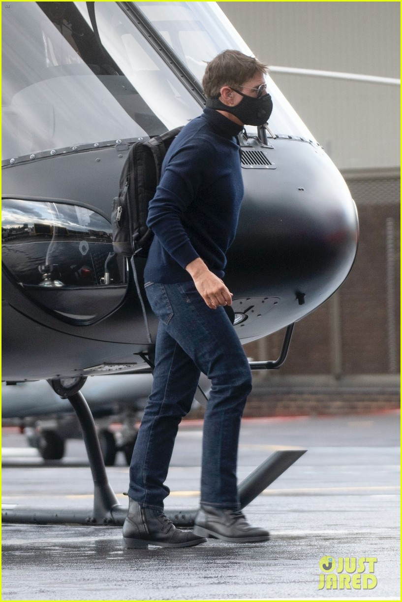 tom cruise helicopter august 2020 054477922
