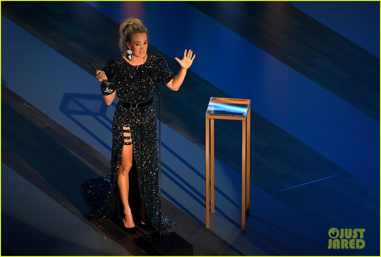 carrie underwood thomas rhett win at acm awards 2020 024483916
