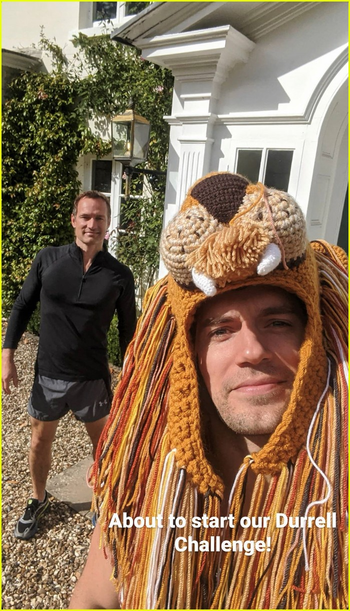 henry cavill goes running in lion hat for durrell challenge 014488128