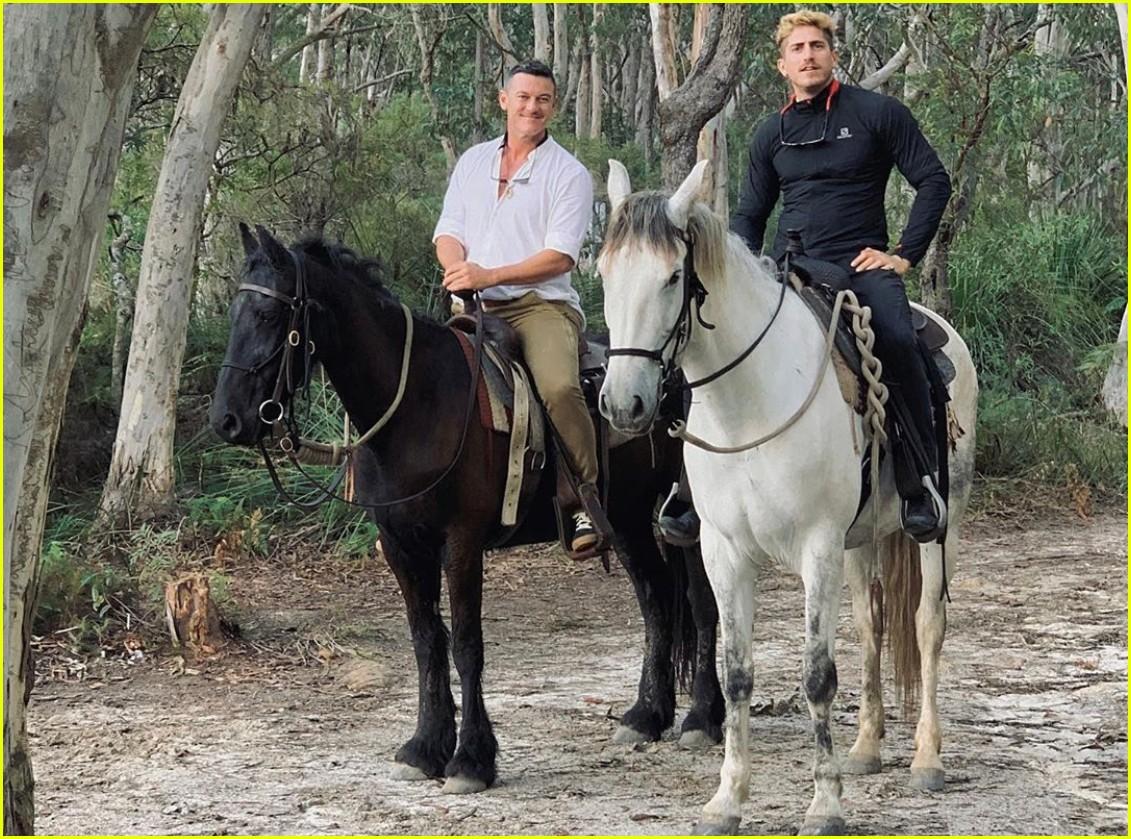 luke evans horseback riding with boyfriend rafael olarra 044484880