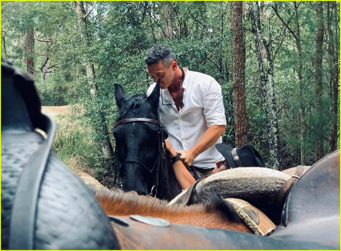 luke evans horseback riding with boyfriend rafael olarra 054484881