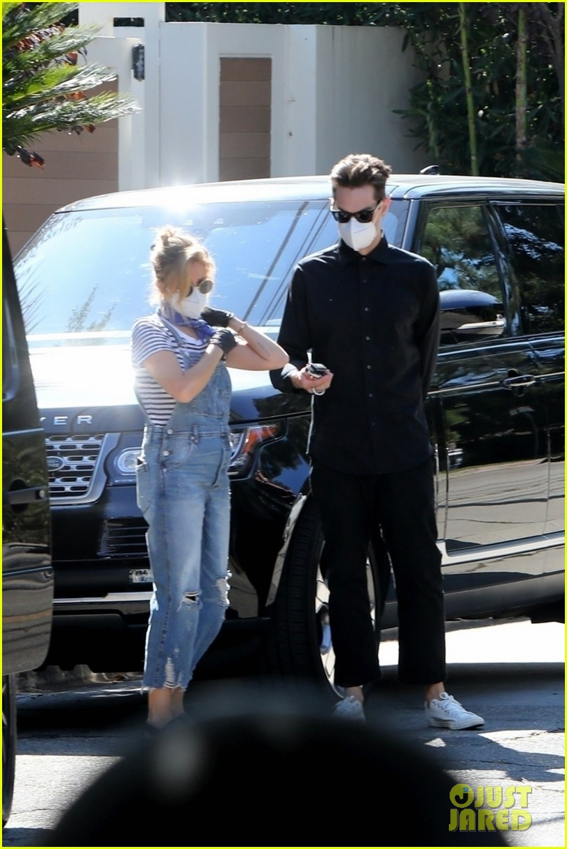 ashley tisdale christopher french house hunting in la 034485154