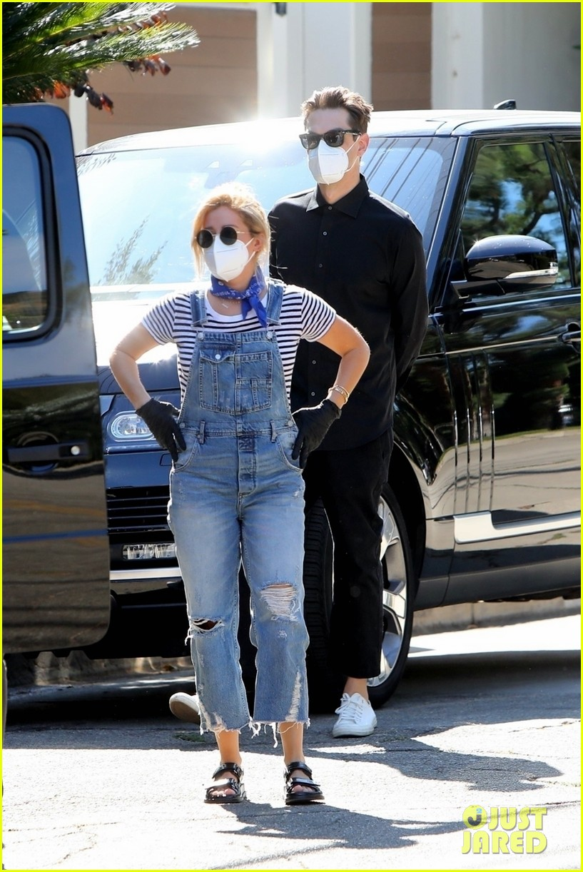 ashley tisdale christopher french house hunting in la 054485156