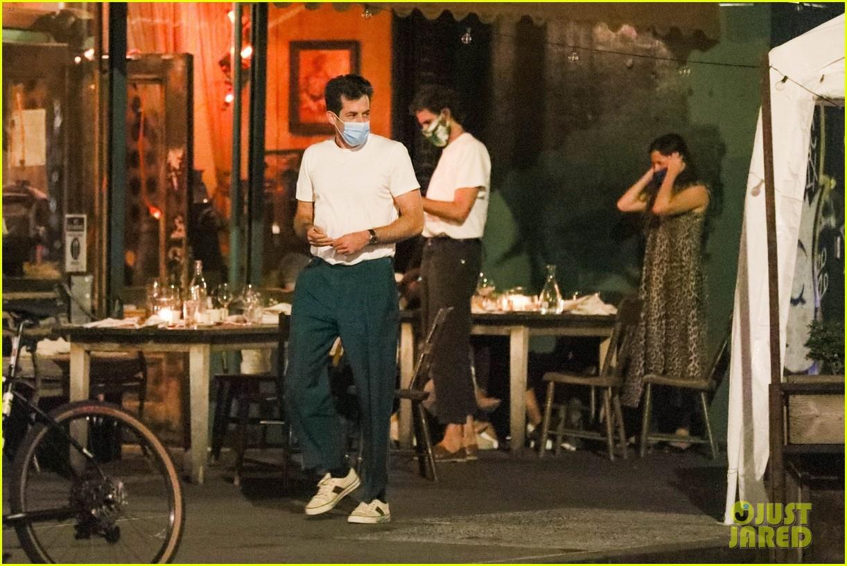 mark ronson grace gummer dinner with friends 014487938