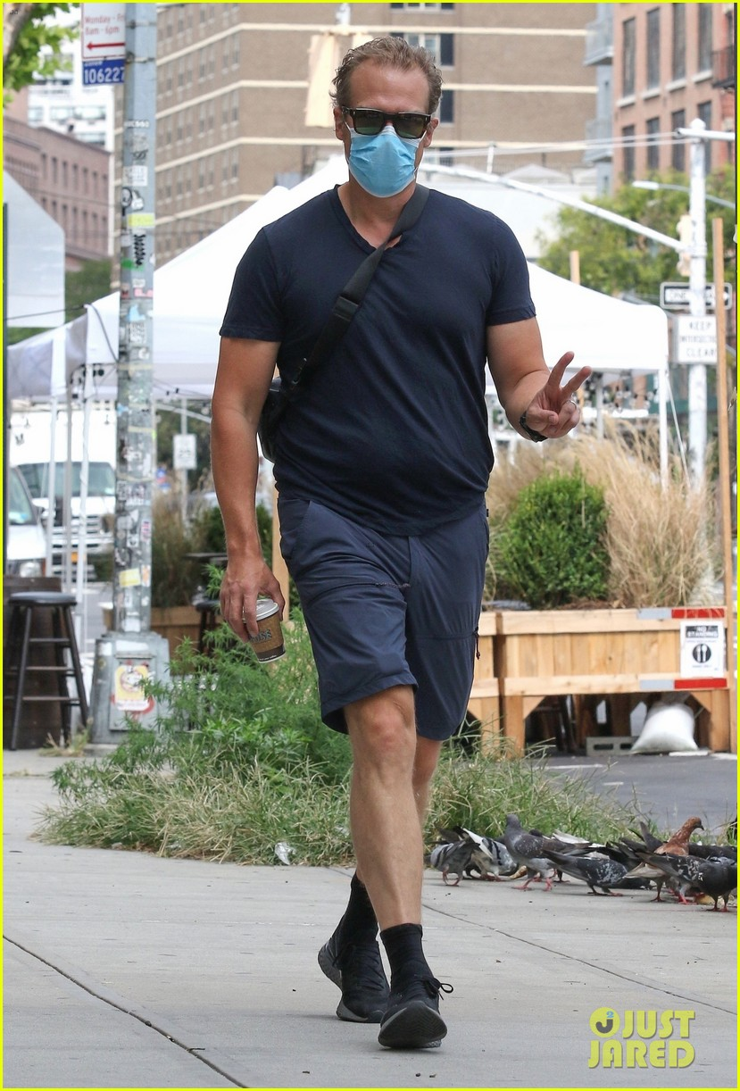 david harbour steps out nyc after getting married 074483719
