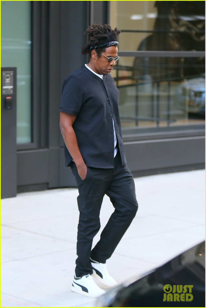 jay z steps out in new york city 024485009