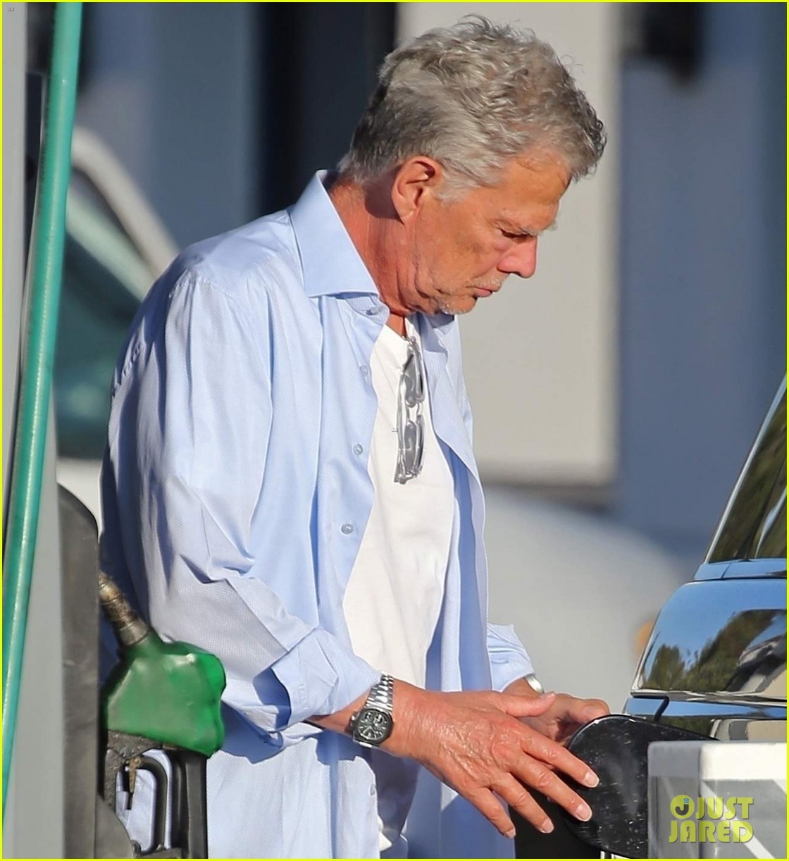 katharine mcphee david foster at gas station 024482099