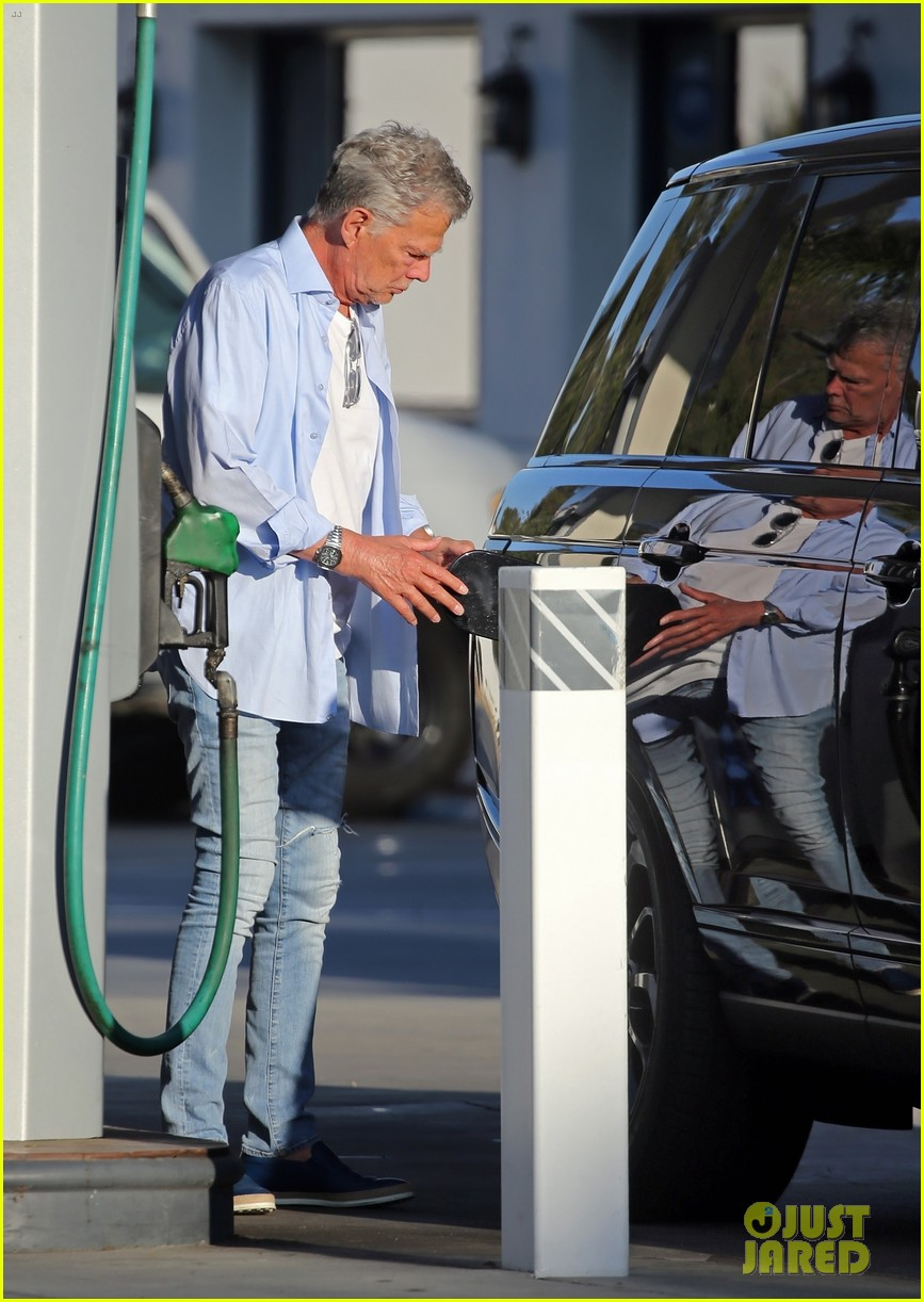 katharine mcphee david foster at gas station 054482102