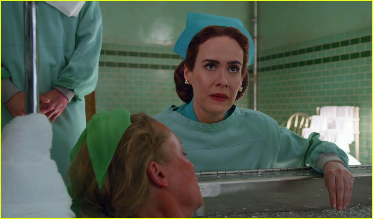 sarah paulson in ratched stills 024484552